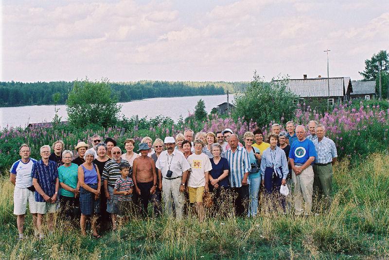 Sotaorvot Juustjärven karjalaiskylässä